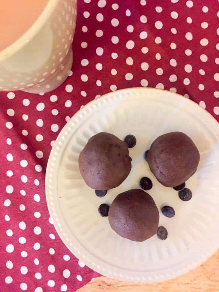 low carb-sugar free-chocolate-truffles-thm