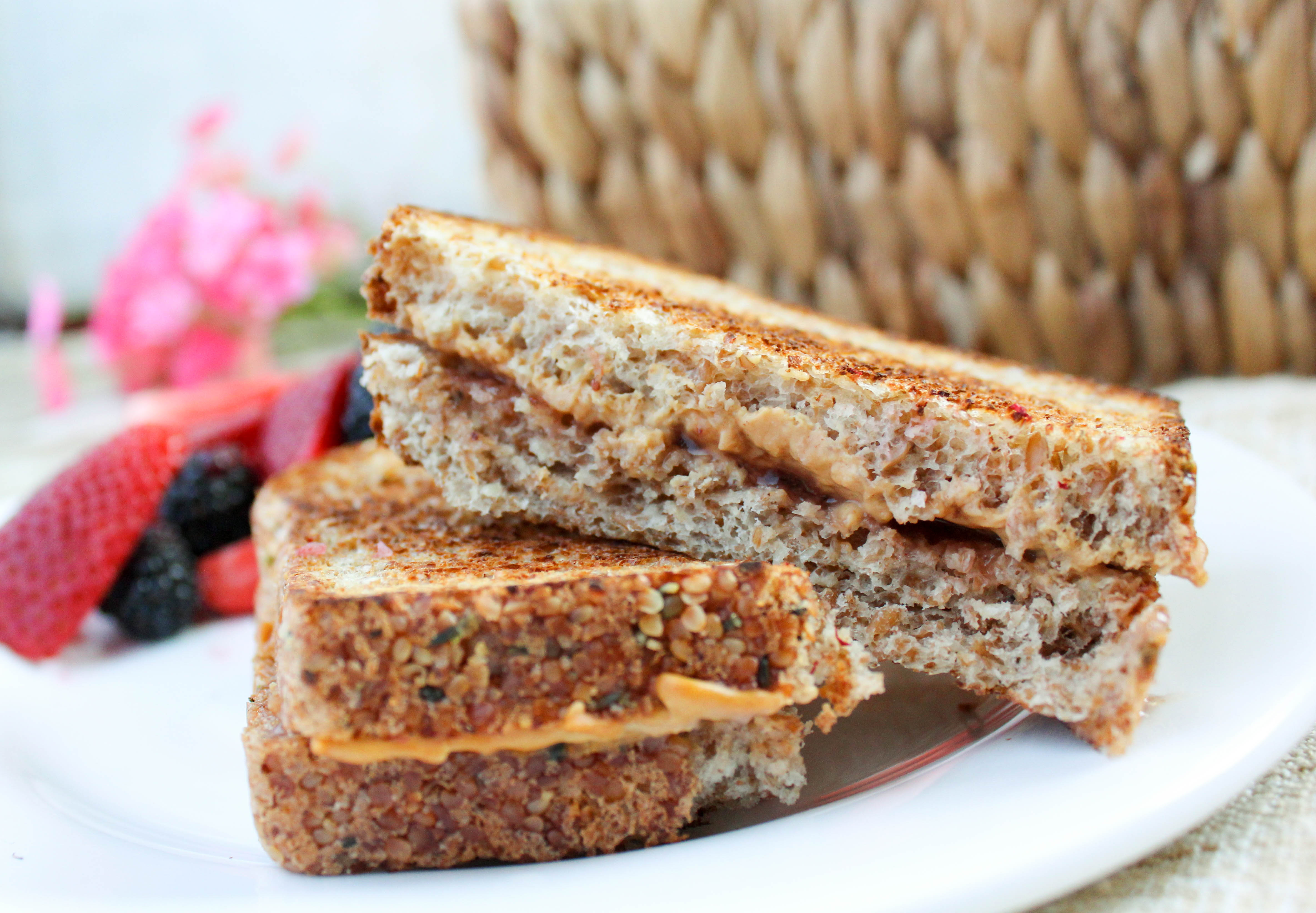 Easy Lunch Ideas - Grilled Peanut Butter & Jelly Sandwich (THM, Low Carb) #trimhealthymama #thmlunch #quicklunch #easylunchideas