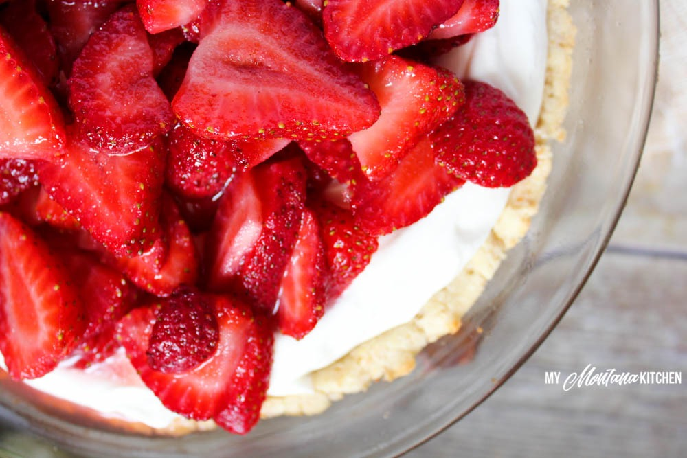 Mom's Famous Strawberry Pie (THM-S, Low Carb, Sugar Free)