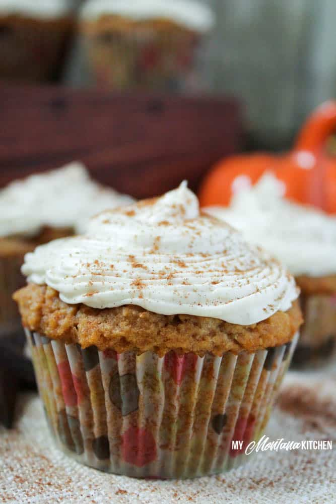Pumpkin Spice Cupcakes with Maple Cream Cheese Frosting (Low Carb, Sugar Free, THM-S) #trimhealthymama #thms #thm #pumpkinspice #maple #lowcarb #sugarfree #glutenfree
