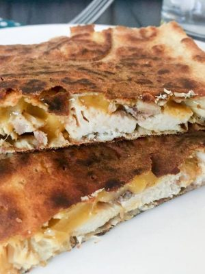 Easy Lunch Ideas - Easy Crispy Quesadilla (THM, Low Carb) #trimhealthymama #thmlunch #quicklunch #easylunchideas