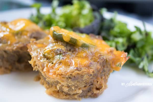 Cheddar Jalapeño Meatloaf Muffins (Low Carb, THM-S, Keto) #trimhealthymama #thm #thms #keto #glutenfree #meatloaf #meatloafmuffins #easydinneridea #jalapeno #meatloaf #cheddar