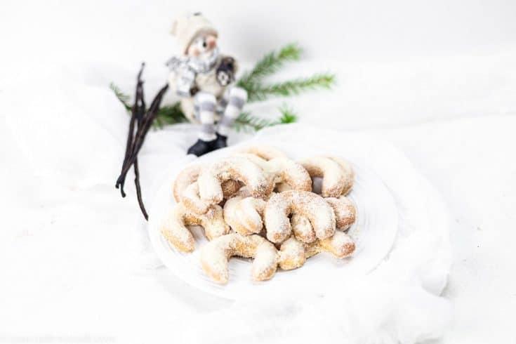 Keto Vanilla Crescent Cookies