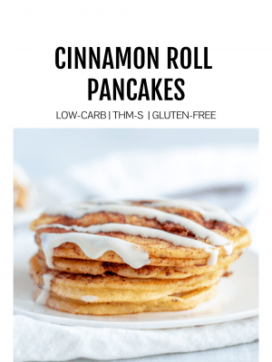 Image of low carb cinnamon roll pancakes with title
