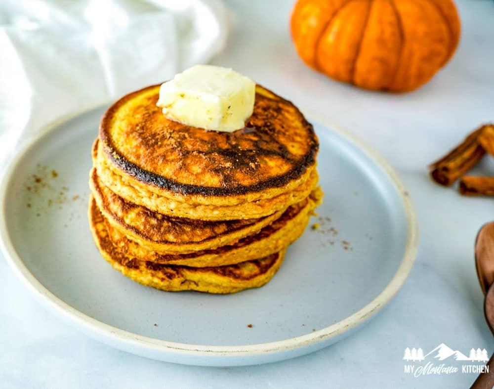 keto pumpkin pancakes
