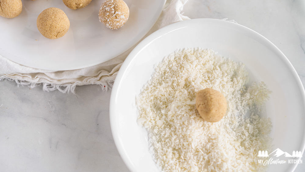 Roll the balls in to shredded coconut